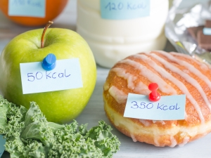 Foods with calorie count labels