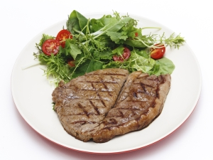 Low carb steak and salad